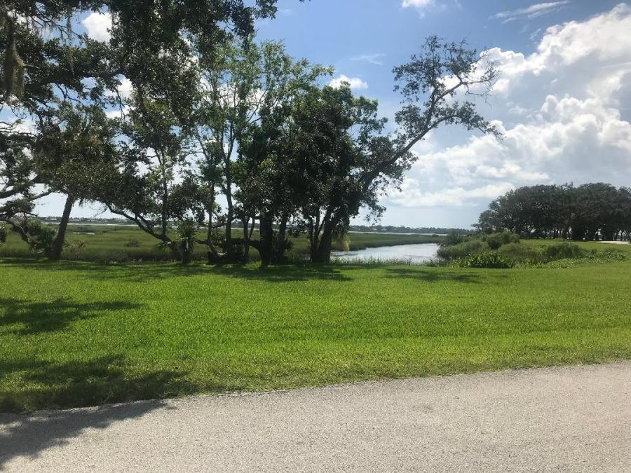 Picture showing the waterfront at St Augustine South