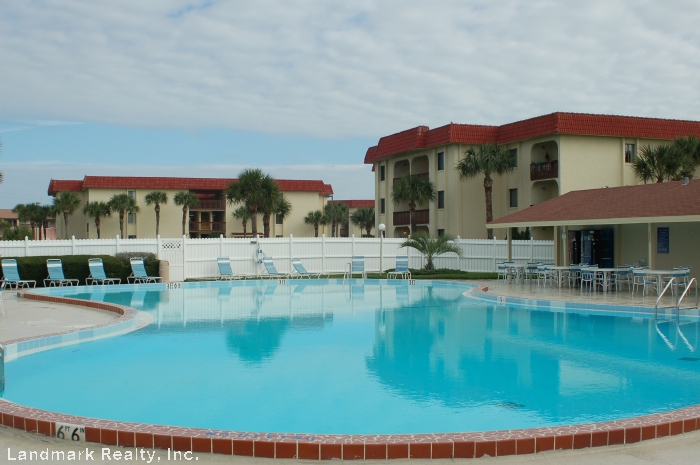 A picture of the pool at St. Augustine Ocean an Racquet Club Condominium